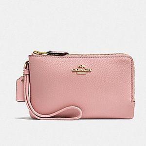 🎀COACH Pink Petal Double Zip Wristlet